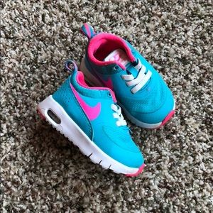 Infant Nike Air Max Thea girls size 4c pink & blue